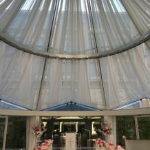 チャペル天井部分 ライト演出も出来ます。