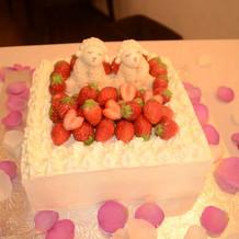特製ケーキをレストランに依頼。