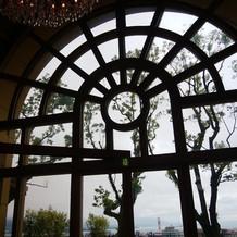 ホルトの大きな窓