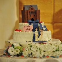 想像以上の出来栄えのウェディングケーキ