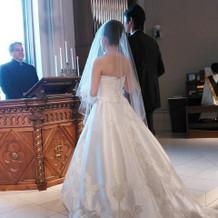 ドレスの後ろが長く、お姫様の様でした
