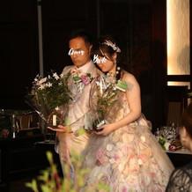 花束贈呈は手作りの苔玉にしました。