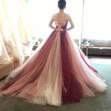 トップ。カラードレス種類豊富!