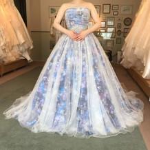 蜷川実花さんのドレスも選べます