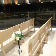 挙式会場のベンチ