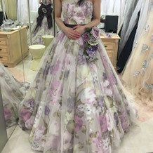水原希子さんデザインのカラードレスです。
