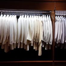 衣装室タキシード