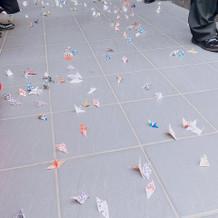 折り鶴シャワー2