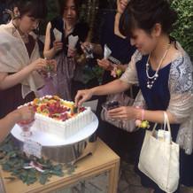 ゲストによるケーキの作成