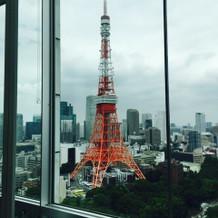 スカイバンケットから東京タワーが見えます