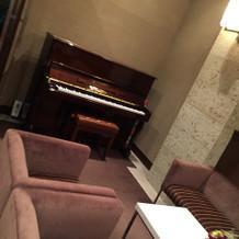 待合室のピアノ