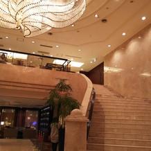 入口ロビーにある大階段