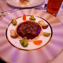 牛ロースのステーキ 温野菜添え