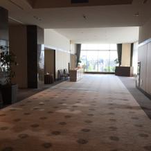 披露宴会場の前の廊下