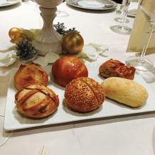 パンや自家製のバターも非常に美味しいです