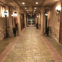 披露宴会場廊下