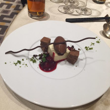 チョコレートのデザートです!
