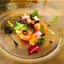 彩りがきれいな前菜