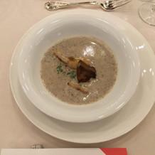 フォアグラときのこのスープ。