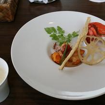 オマール海老とホワイトアスパラのスープ