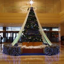 ホテルロビー(クリスマス装飾)