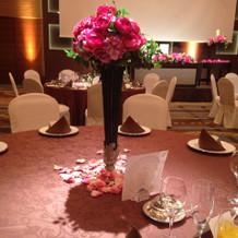 テーブル装花(試食会のボールルーム富士)