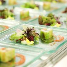 (冷前菜)オマール海老と旬菜のマルブレ