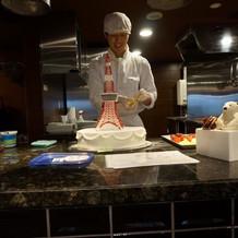 ケーキ製作中
