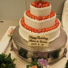 可愛いウエディングケーキ