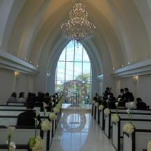 教会の写真です。人数も結構入りました。