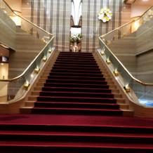 見栄えのする大階段! これに惹かれました