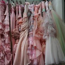 カラードレスもあります