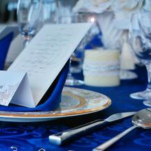 ブルーのテーブルコーディネート