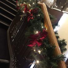 クリスマスモードのホテル。