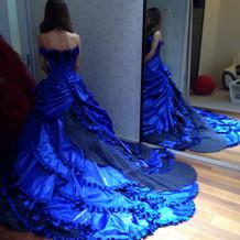 濃い青色がとても綺麗!