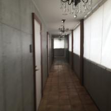 親族控室廊下