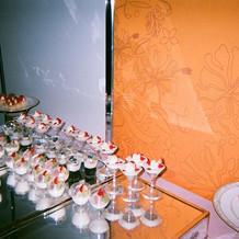 下段にはケーキが3種類並んでました