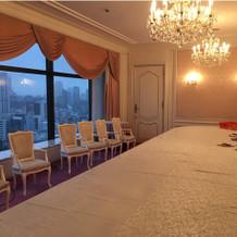 2つ目のお部屋。ピンクが基調で可愛い。