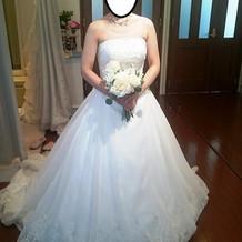 ウェディングドレス1