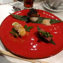 フォアグラのお寿司が絶品の試食プレート