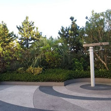 チャペル 中庭の鐘