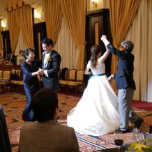 新郎新婦の親とラストダンス