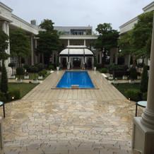 ガーデン プール