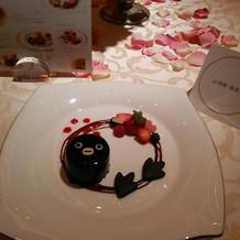 可愛いスイカのキャラケーキ