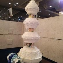 ウェディングケーキのイミテーション。