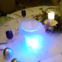 模擬披露宴ゲストテーブル ドライアイス煙