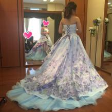 試着で着たカラードレス②