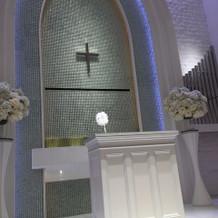 祭壇のところ