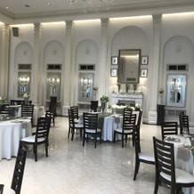 ビクトリアハウスの披露宴会場。