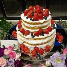 ウェディングケーキも豊富です